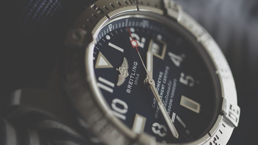 4 best watches for left handed Men in 2020